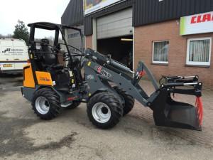 GIANT D337T HD shovel - John Breider Mechanisatie Groningen IMG_3156